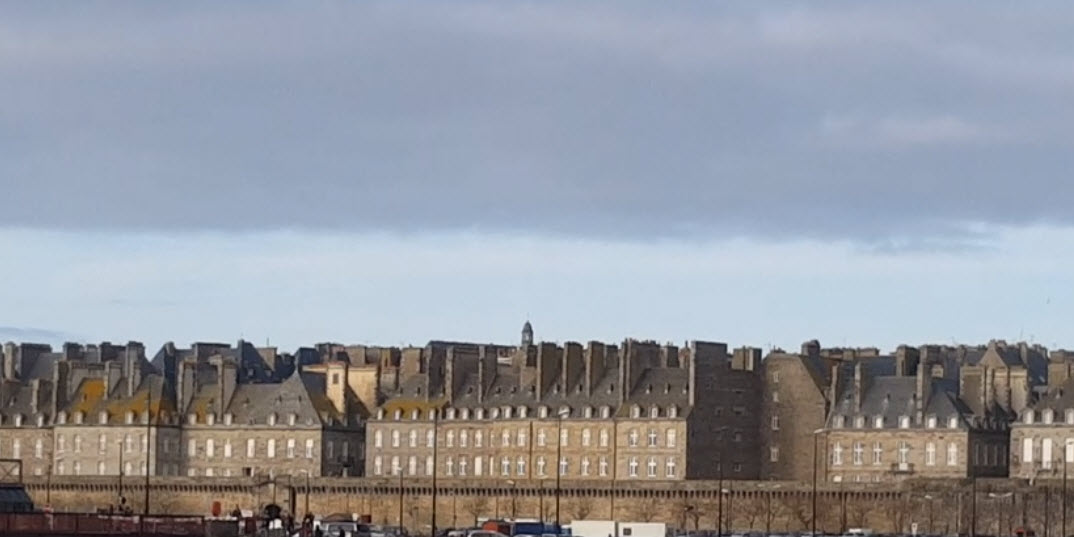 st malo old city walls
